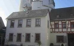 65582 Diez - Jugendherberge Grafenschloss - Sanierungsarbeiten am Haussockel im Innenhof